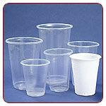 Eldobható műanyag, és papír poharak