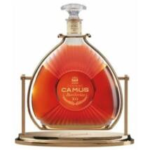 Camus Borderies XO Cognac pdd. 1,5L 40% + állvány